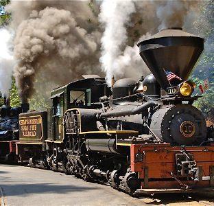 steam train at Yosemite Mountain Sugar Pine Railroad